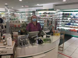 paroi de protection covid-19 en pharmacie